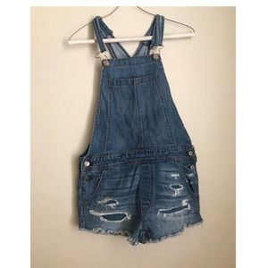 american eagle outfitters distressed overalls!